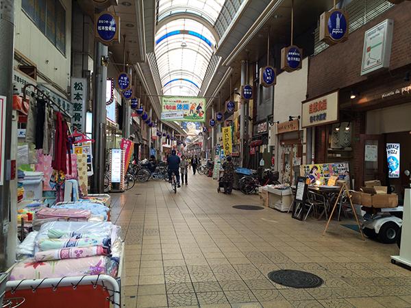 京橋中央商店街のピザ屋さん