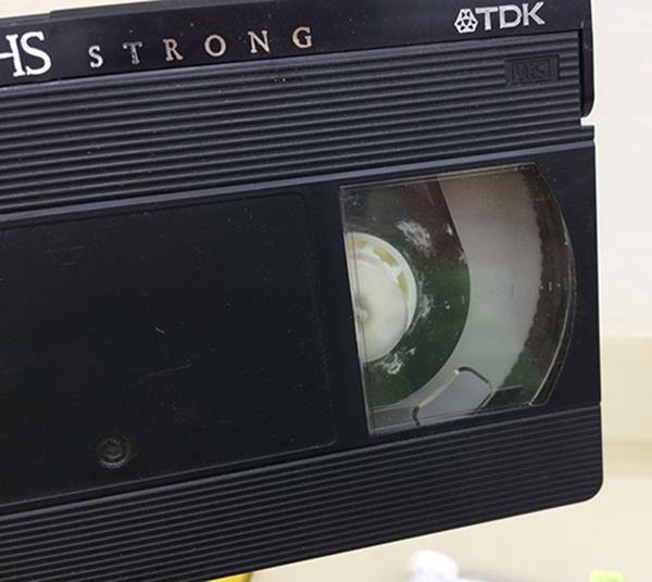 カビのはえたビデオテープ