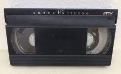 カビのはえたVHSビテープ
